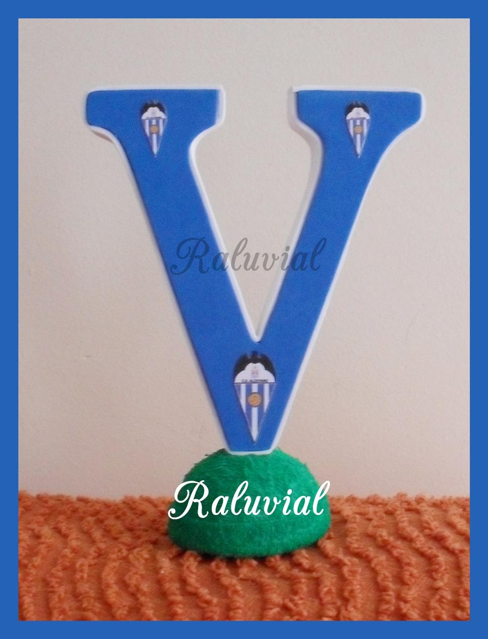 Letra V decorada C.D. Alcoyano